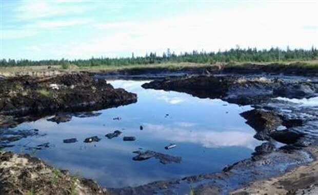 Разлив нефти в Коми