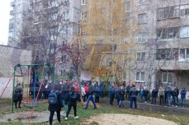 Разгневанные россияне кричали «Убийца!» и требовали расправы над педофилом-убийцей (ВИДЕО)