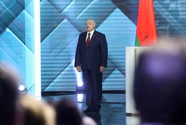 Из интервью Лукашенко: «Меня могут застрелить, но я никуда не убегу»