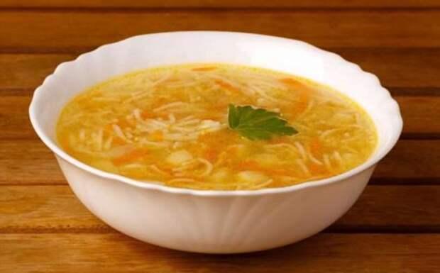 3 совета родом из СССР, как не дать вермишели разбухнуть в супе