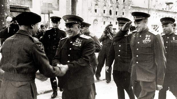 Рассекречен тайный доклад: Почему Сталин не поверил в смерть Гитлера