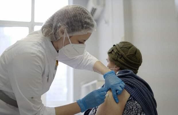 Более 224 тысяч жителей Кубани сделали прививки от ковида