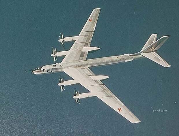Ту-95МС провел пуски шести крылатых ракет по полигону на Камчатке