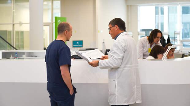 Более 93 тыс россиян наблюдают врачи из‑за подозрения на коронавирус