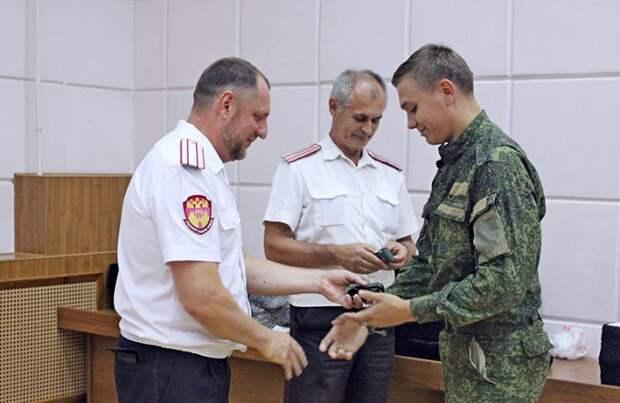 Казакам Краснодара вручили подарки за борьбу с COVID-19