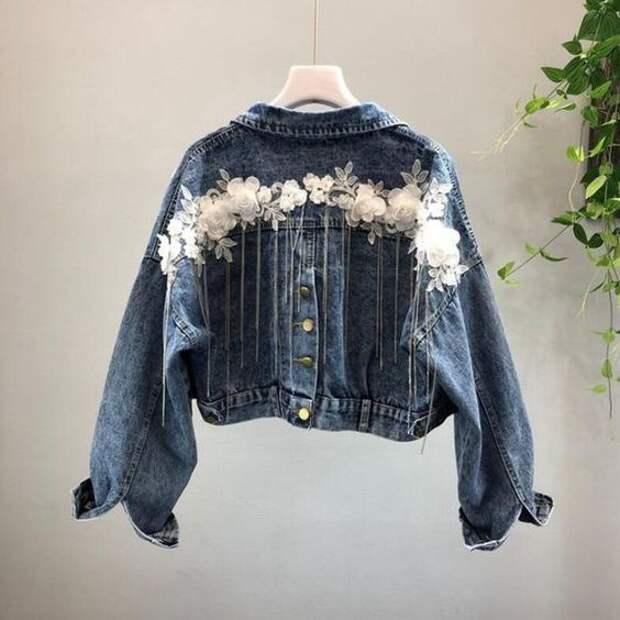 Весенний декор 5-ти джинсовых курток
