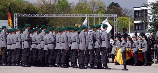 Какие ценности, такая и армия. Новый скандал с участием солдат НАТО в Прибалтике