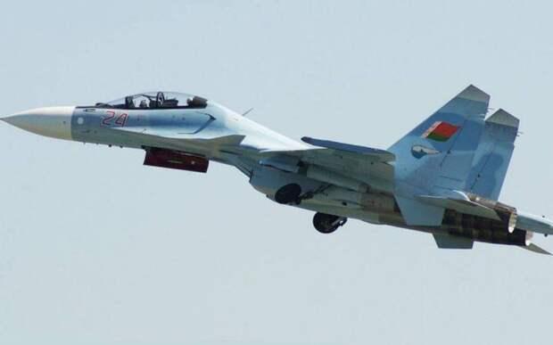 «От них лишь одни проблемы»: в Беларуси раскритиковали российские Су-30СМ