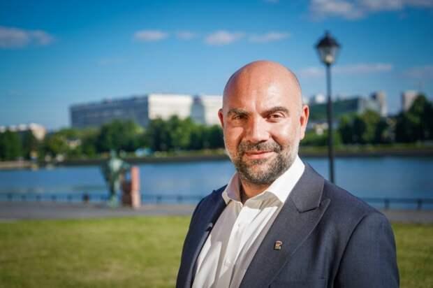 Тимофей Баженов: в Москве статус предпенсионера теперь можно оформить удалённо. Фото: Максим Манюров