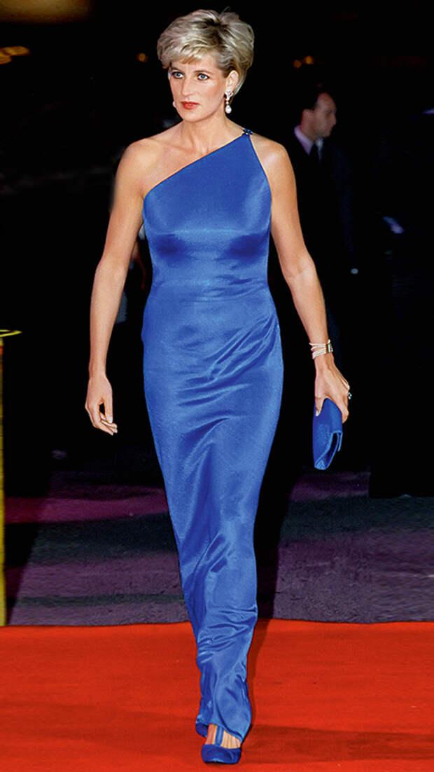 В синем платье Versace, Сидней, 1996 год