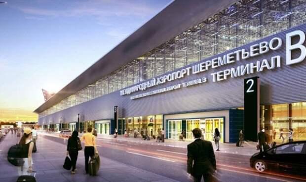 В московском аэропорту загорелся самолет. Всех пассажиров эвакуировали