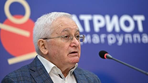 Политолог Светов выступил за кадровые изменения в руководстве парламентских партий России
