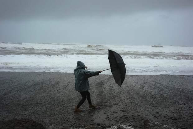 Сегодня в Крыму ожидаются ливни и штормовой ветер