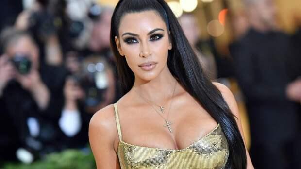 За Ким Кардашьян ухаживают королевские особы и миллиардеры