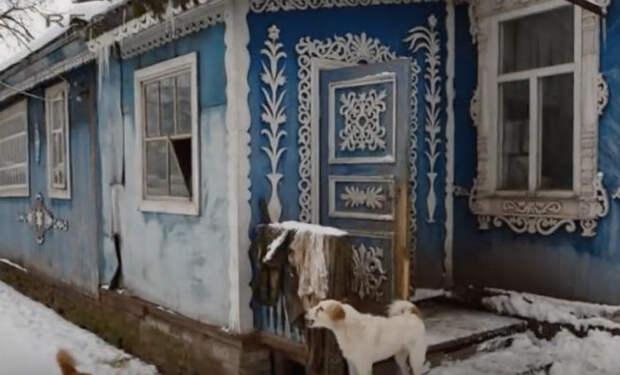 Неприметный снаружи дом оказался с сюрпризом. Соседи заглянули внутрь и попали в царские хоромы