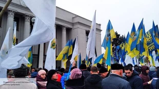 На Украине опасаются бунтов голодных людей: Бредихин объяснил, к чему приведет безработица