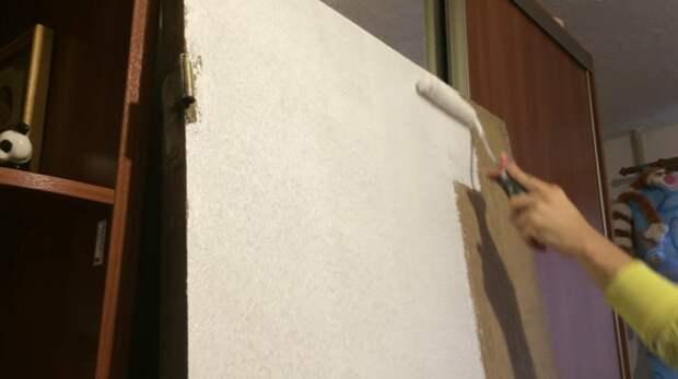 Копеечный способ переделать старую дверь