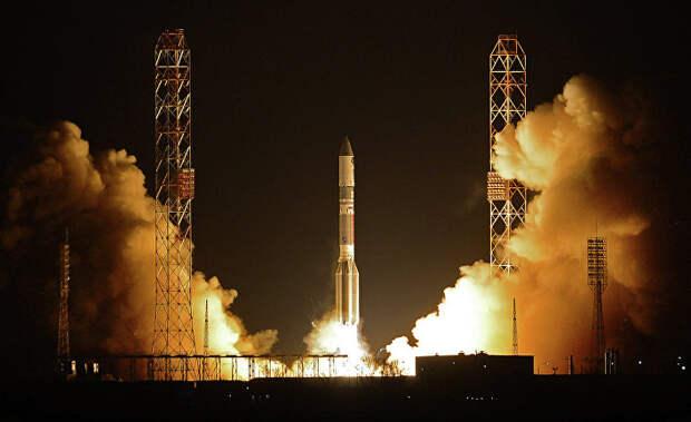 """Пуск ракеты-носителя """"Протон-М"""" с разгонным блоком """"Бриз-М"""""""