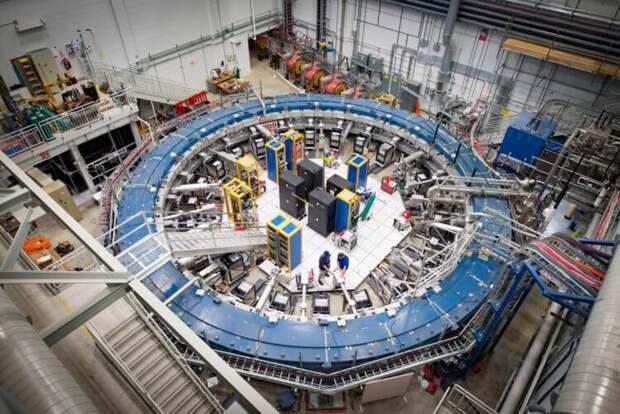 Колебание крошечной частицы нарушает известные законы физики