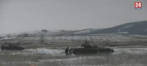 В Крыму на полигоне танкисты и пехотинцы ЧФ провели стрельбы