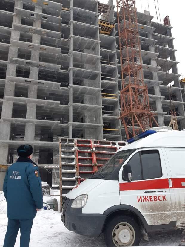 В Ижевске объявили в международный розыск крановщика, обвиняемого в гибели рабочих на стройке