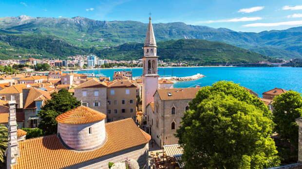 Черногория снимет все ограничения для въезда россиян