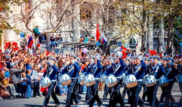 Пятничные новости Ростова озапретах из-за парада, безумной рыбалке иэкстремистах