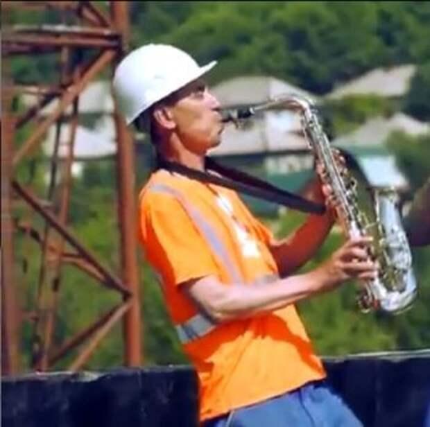 Новокузнецкие строители подались в музыканты