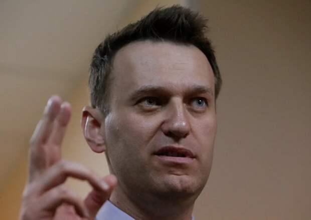 Блогер Навальный подставил под штрафы и аресты около 400 человек