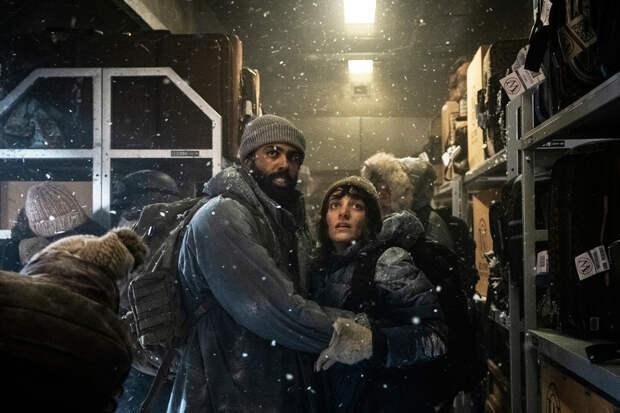 «Сквозь снег»: Ешь, пей, богатых, бедных
