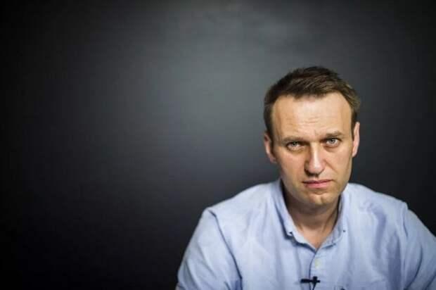 Навальный стал разменной монетой своих соратников, а врачей, кто ему реально помогал, облили грязью