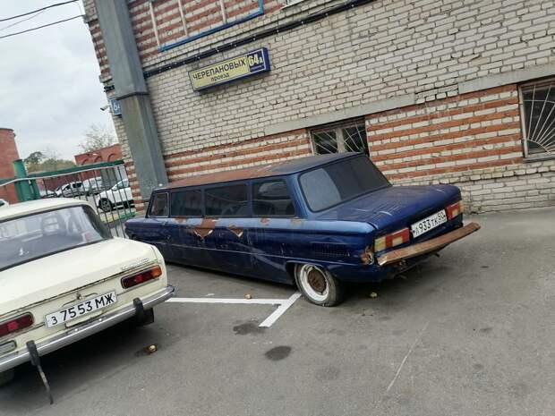 Фото дня: лимузин отечественного производства в проезде Черепановых