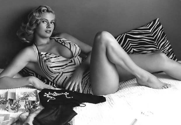 Анита Экберг и её «сладкая жизнь» в титуле секс-символа 50-х