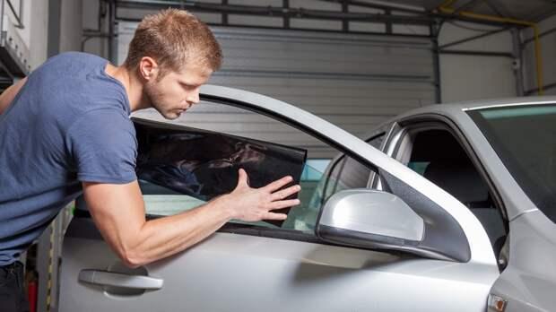 Новые штрафы для автомобилистов в РФ: теперь за резину не по сезону и нештатные лампы в фарах