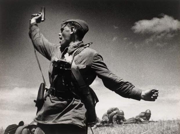 На Западе думают, что знаменитый военный снимок «Комбат» 1942 года– постановка История, Фотография, Комбат, Вторая мировая война, Великая Отечественная война, Яндекс Дзен, Длиннопост