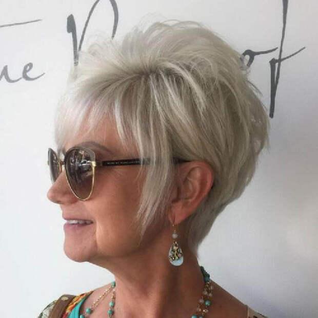 Шикарные прически для женщин старше 50 лет – десятки вариантов