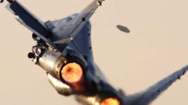 15 самых захватывающих историй про НЛО и военных