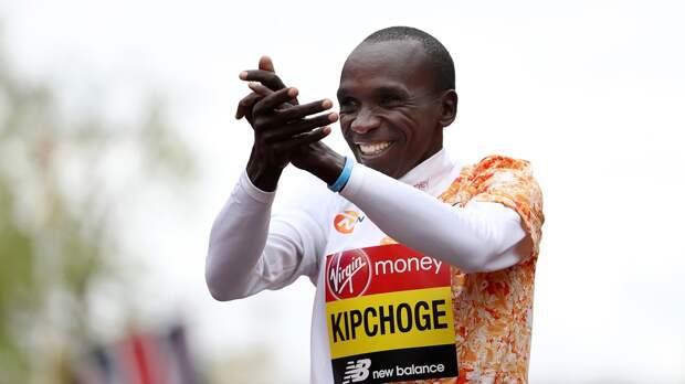 Кипчоге— первый человек, преодолевший марафонскую дистанцию менее чем за2 часа