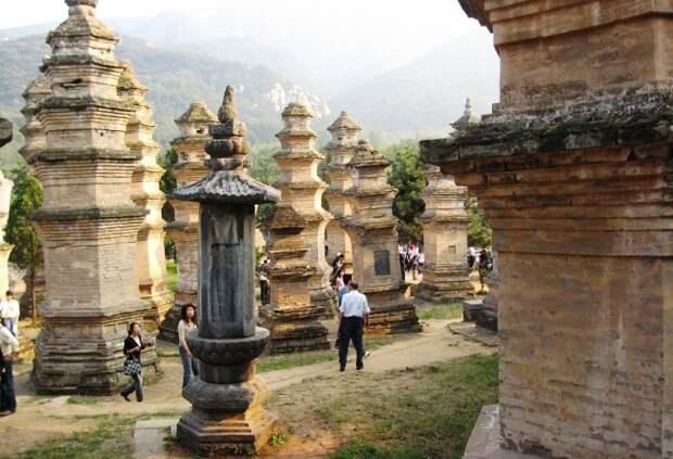 Дикарем или с гидом – как лучше путешествовать по Азии?
