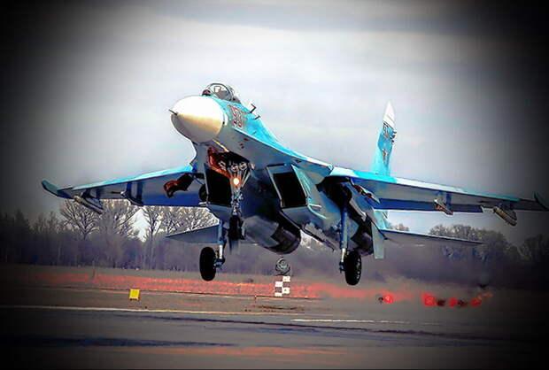 Истребитель Су-27 Морской авиации Балтийского флота России