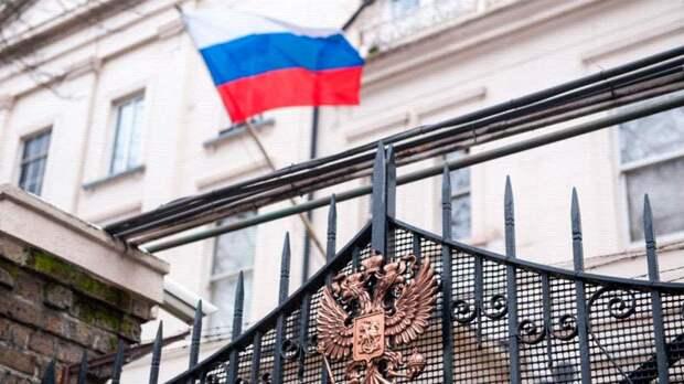 Посольство России не заявляло Британии об обнаружении подозрительных россиян