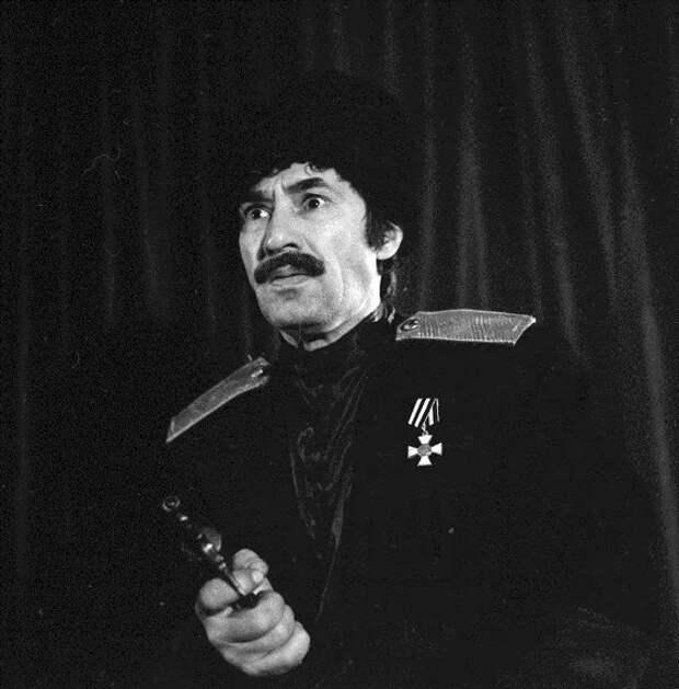 За что Спартак Мишулин получил два тюремных срока и несколько лет провел в заключении