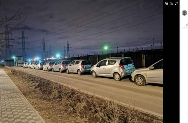 «Выставка» побитых иномарок открылась на Пятницком шоссе