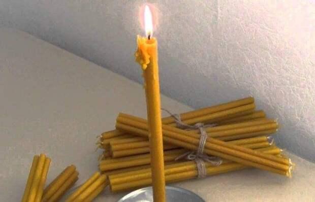 Чистка дома от негатива при помощи свечи...