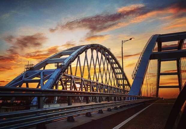 Просто смешно: украинцы назвали точную дату обрушения Крымского моста