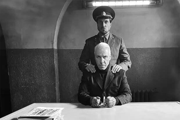 Лидер Rammstein заговорил по-русски в новой короткометражке