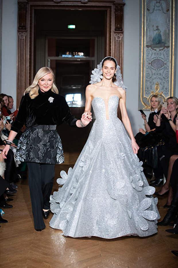 Юлия Янина с моделью