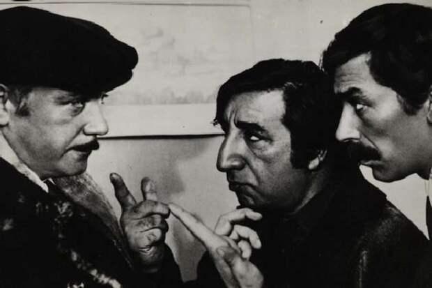 """Набор открыток """"Кадры из новых фильмов"""", 1977 год."""