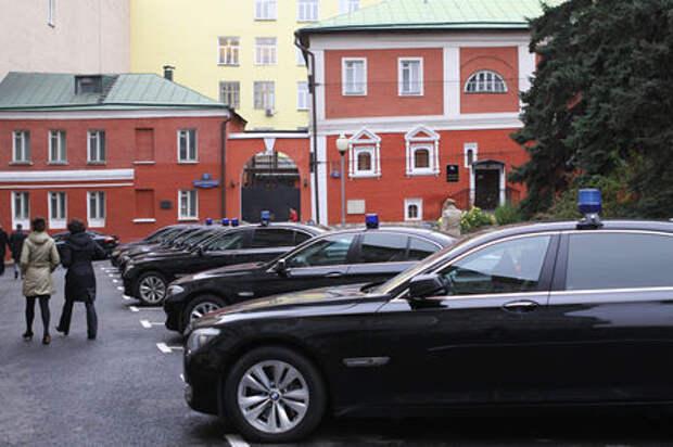 Чиновники Челябинска покупают 25 машин за 55 млн рублей
