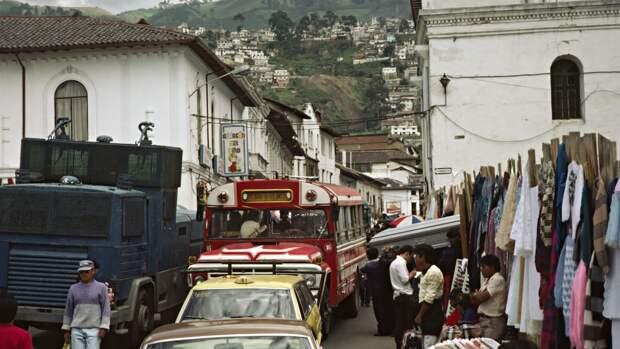 Пандемия и остановка транспорта: граждане Эквадора столкнулись с двойным локдауном